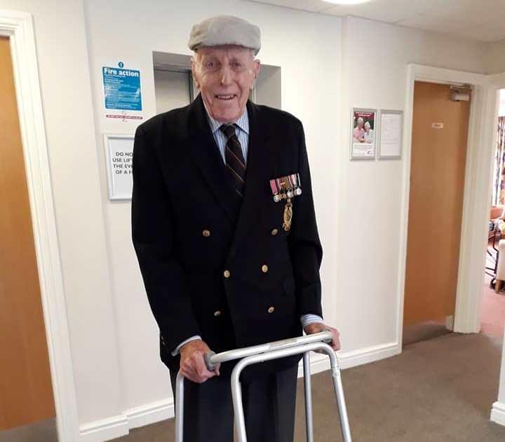 Churchill's former guard marks Armistice Day